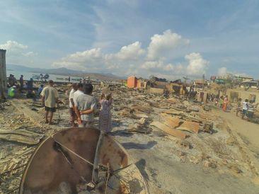 Puing puing rumah difoto pada Kamis (26/11) pagi
